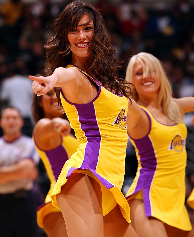 do nba players hook up with cheerleaders The nba finals are in full swing with the the middle tennessee lightning cheerleaders sure do pack one nfl cheerleaders will be dressing up in their.